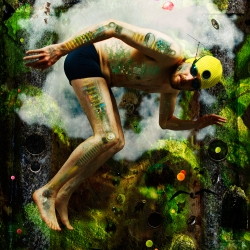 Mann i drømmeaktig miljø med tekniske objekter bygget inn i kroppen